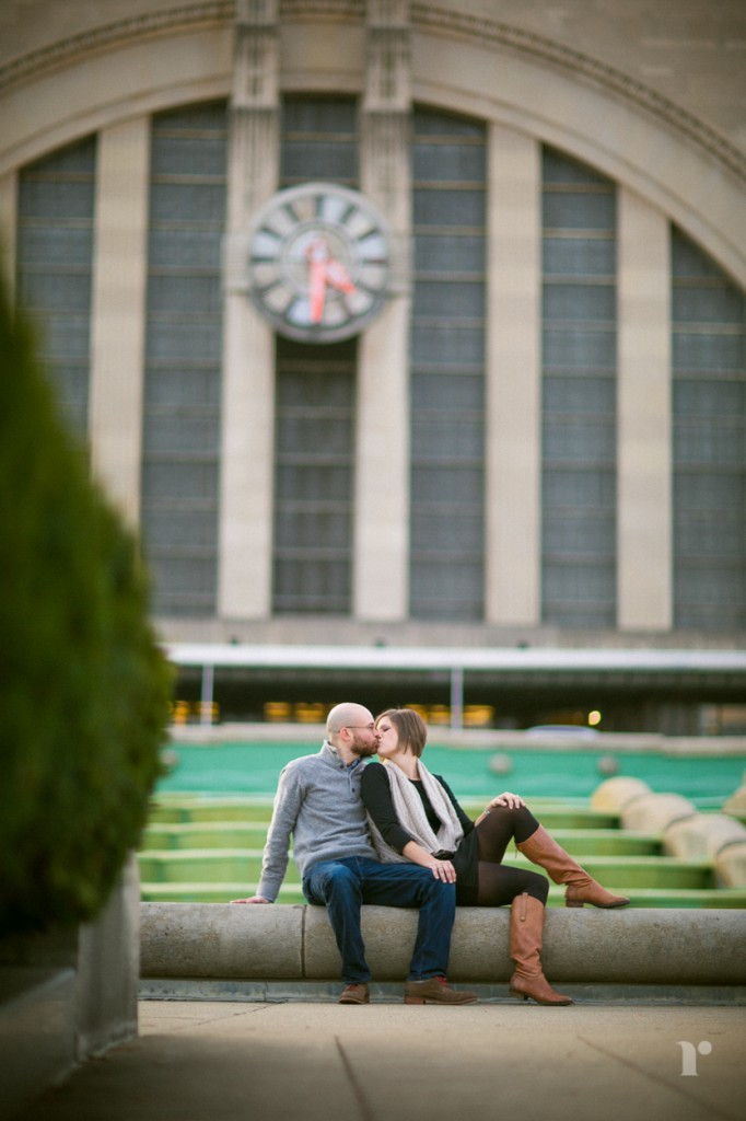 couple in front fo cincinnati museum center