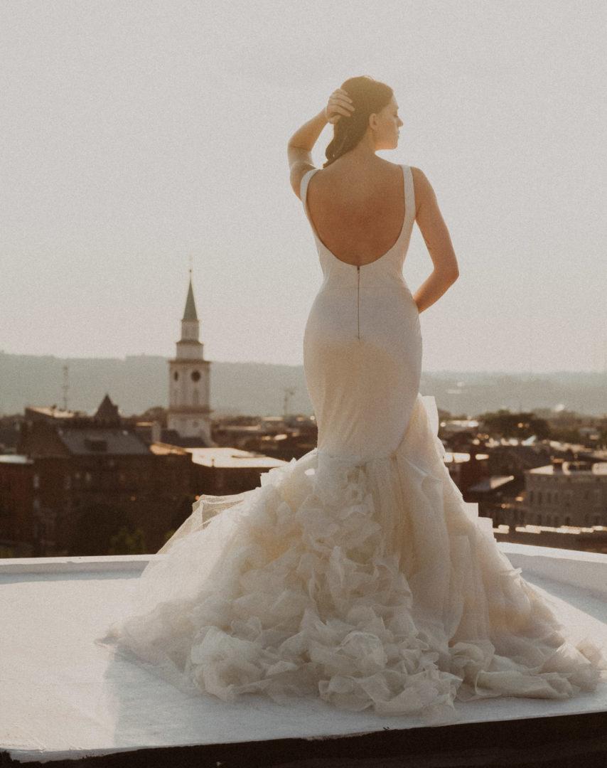 editorial cincinnati bride in vera wang dress