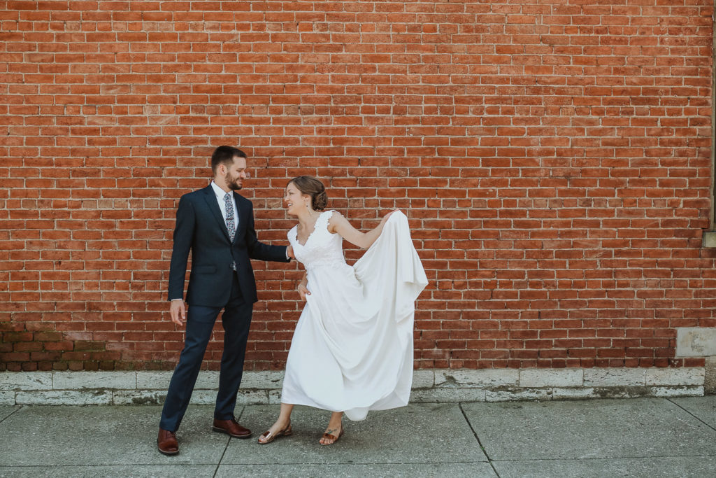 bride and groom in otr